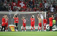 Fussball International Laenderspiel Schweiz 2-0 Costa Rica Schweizer Team mit Dank an die Fans