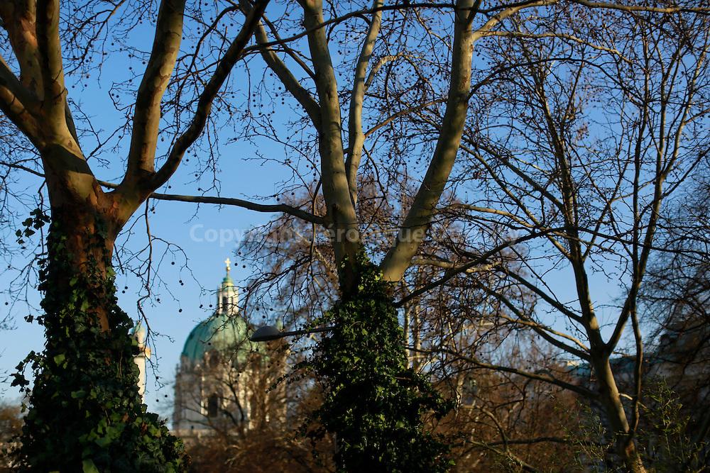 Karlskirche, Vienna, Austria // Karlskirche ( eglise st Charles ), Vienne, Autriche