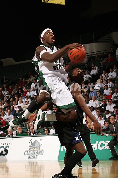 Cleveland State University's Cedric Jackson (11).