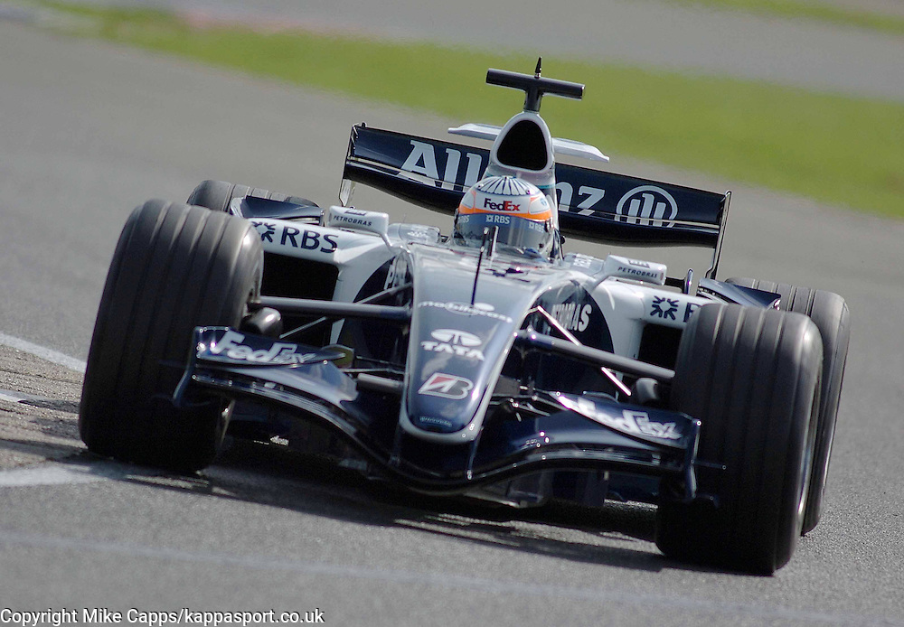 Williams F1 Test Driver Narain Karthikeyan give the Williams its Debut with a Toyota engine Silverstone 19/9/2006, Photo:Mike Capps
