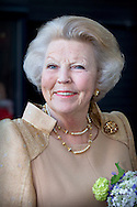 Princess Beatrix of The Netherlands attends the conference Long Live Arts at the Theater aan het Spui in The Hague, The Netherlands, 21 May 2015. Theme of the conference is culture participation for elderly. The Princess received from former minister Hedy d'Ancona an knitted sweater. 21-5-2015 DEN HAAG - Prinses Beatrix krijgt gebreide trui van Hedy D'Ancona bij Long Live Arts conferentie Den Haag Prinses Beatrix der Nederlanden woont donderdagmiddag 21 mei een feestelijke voorstelling bij die de conferentie Long Live Arts markeert. De voorstelling vindt plaats in het Theater aan het Spui in Den Haag.. COPYRIGHT ROBIN UTRECHT<br /> <br /> 21-5-2015 THE HAGUE - Princess Beatrix of the Netherlands lives Thursday May 21 marks a festive performance in which the conference Long Live Arts. The performance will take place at the Theatre on the Spui in The Hague . COPYRIGHT ROBIN UTRECHT