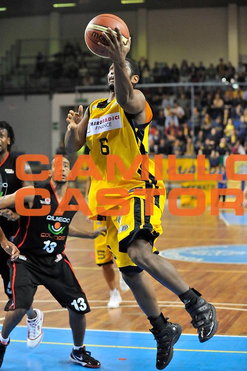 DESCRIZIONE : Novara Lega A2 2009-10 Campionato Miro Radici Fin. Vigevano - Riviera Solare Rimini<br /> GIOCATORE : Jermaine Boyette<br /> SQUADRA : Miro Radici Fin. Vigevano<br /> EVENTO : Campionato Lega A2 2009-2010<br /> GARA : Miro Radici Fin. Vigevano Riviera Solare Rimini<br /> DATA : 13/12/2009<br /> CATEGORIA : Tiro<br /> SPORT : Pallacanestro <br /> AUTORE : Agenzia Ciamillo-Castoria/D.Pescosolido