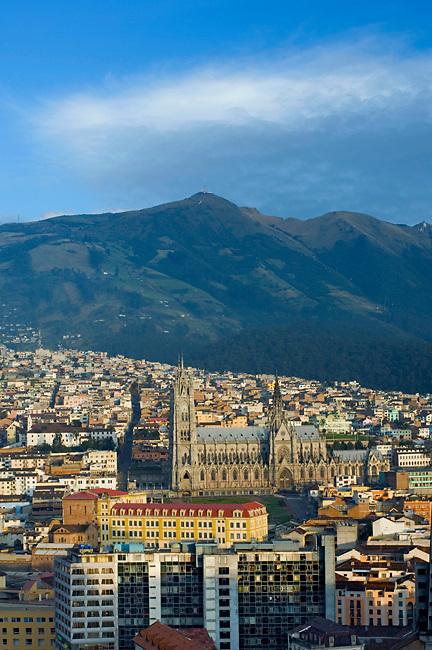 Quito / Ecuador / Basilica del Voto Nacional.