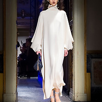 Izumi Ogino's Anteprima Fall-Winter 18-19 Collection @ Milan Fashion Week