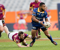 Otagos Jona Nareki, right, looks to pass having evaded the tackle of Southland's Scott Eade's in the Mitre 10 Cup rugby match, Forsyth Barr Stadium, Dunedin, New Zealand, Sunday, October 14 2017.  Credit:SNPA / Adam Binns ** NO ARCHIVING**