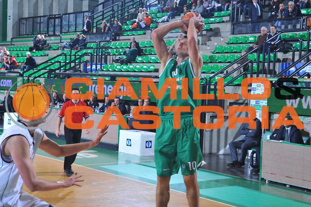 DESCRIZIONE : Treviso Eurocup 2009-10 Last 16 Benetton Gioco Digitale Brose Basket<br /> GIOCATORE : Sandro Nicevic<br /> SQUADRA : Benetton Gioco Digitale<br /> EVENTO : Eurocup 2009 - 2010<br /> GARA : Benetton Gioco Digitale Brose Basket<br /> DATA : 09/03/2010<br /> CATEGORIA : Tiro<br /> SPORT : Pallacanestro<br /> AUTORE : Agenzia Ciamillo-Castoria/M.Gregolin<br /> Galleria : Eurocup 2009<br /> Fotonotizia : Treviso Eurocup 2009-10 Last 16 Benetton Gioco Digitale Brose Basket<br /> Predefinita :