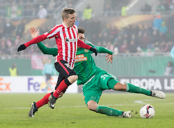 08.12.2016, Weststadion, Wien, AUT, UEFA EL, SK Rapid Wien vs Athletic Club Bilbao, Gruppe F, im Bild Iker Muniain (Athletic Club Bilbao), Maximilian Woeber (SK Rapid Wien) // during a UEFA Europa League, group F game between SK Rapid Wien and Athletic Club Bilbao at the Weststadion, Vienna, Austria on 2016/12/08. EXPA Pictures © 2016, PhotoCredit: EXPA/ Sebastian Pucher
