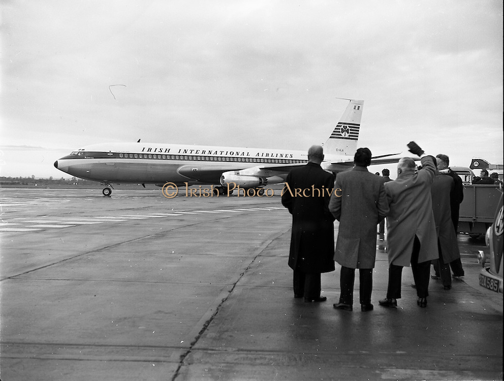 06/12/1960<br /> 12/06/1960<br /> 06 December 1960<br /> Inaugural flight of new Irish Boeing Jetliner &quot;Padraig&quot; to New York. Image shows the jet preparing to depart Dublin Airport.