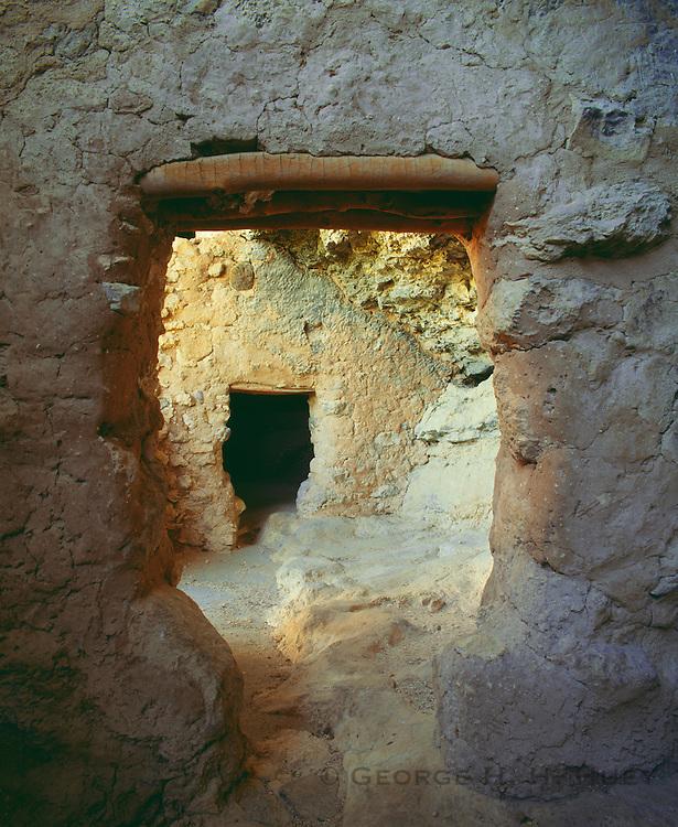 0110-1021 ~ Copyright: George H. H. Huey ~ Interior, Montezuma Castle, Sinagua culture cliff dwelling, occupied @ A.D. 1100-1400. Verde Valley. Montezuma Castle National Monument, Arizona.