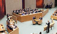 Nederland. Den Haag, 26 oktober 2010.<br /> De Tweede Kamer debatteert over de regeringsverklaring van het kabinet Rutte.<br /> Wilders, PVV, interrumpeert PvdA leider Job Cohen....<br /> Kabinet Rutte, regeringsverklaring, tweede kamer, politiek, democratie. regeerakkoord, gedoogsteun, minderheidskabinet, eerste kabinet Rutte, Rutte1, Rutte I, debat, parlement<br /> Foto Martijn Beekman