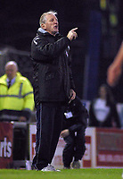 Photo: Paul Thomas.<br /> Oldham Athletic v Swindon Town. Coca Cola League 1.<br /> 10/12/2005.<br /> <br /> Ronnie Moore, Oldham manager.