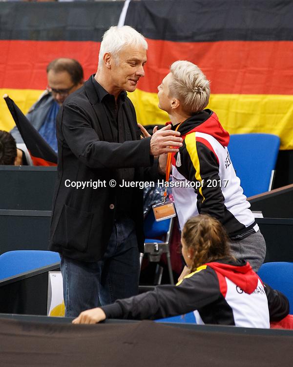 Fed Cup GER-UKR, Deutschland - Ukraine, <br /> Eroeffnungs Zeremonie,L-R. VW Chef Matthias Mueller begruesst DTB Trainerin Jasmin Woehr in der Spieler Loge,