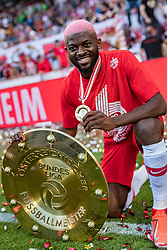 26.05.2019, Red Bull Arena, Salzburg, AUT, 1. FBL, FC Red Bull Salzburg Meisterfeier, im Bild Jerome Onguene (FC Red Bull Salzburg) // during the Austrian Football Bundesliga Championsship Celebration at the Red Bull Arena in Salzburg, Austria on 2019/05/26. EXPA Pictures © 2019, PhotoCredit: EXPA/ JFK