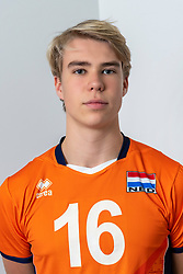 21-12-2018 NED: Photoshoot selection of Orange Young Boys, Arnhem <br /> Orange Young Boys 2018 - 2019 / Martijn van Rooijen #16