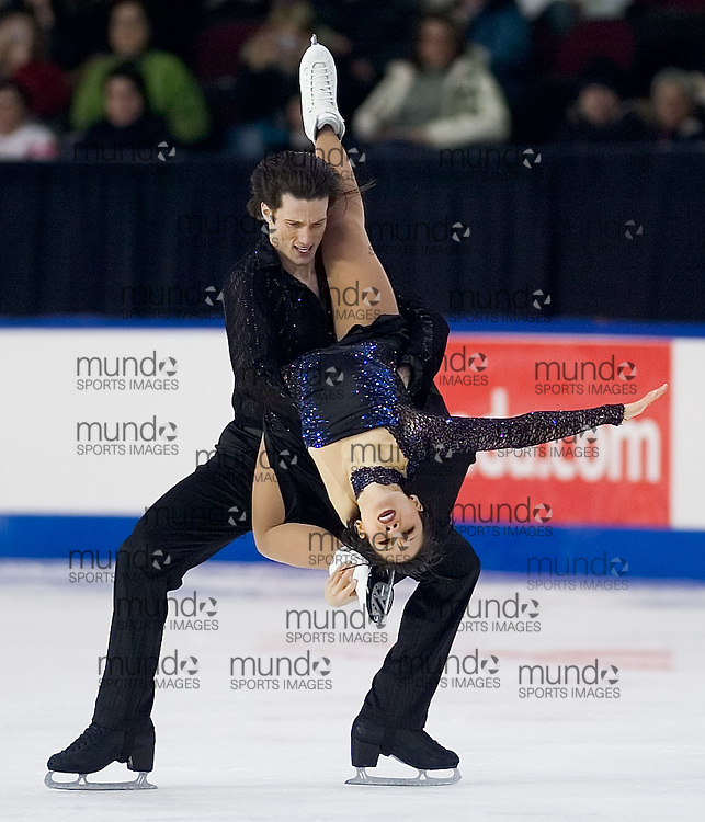 Ottawa, Ontario ---06/1/15--- Megan Wing and Aaron Lowe skate their free dance in the senior dance competition at the Canadian Championships at the Civic Centre in Ottawa Sunday January 15, 2006. The pair finished in second place..GEOFF ROBINS The Ottawa Sun<br />