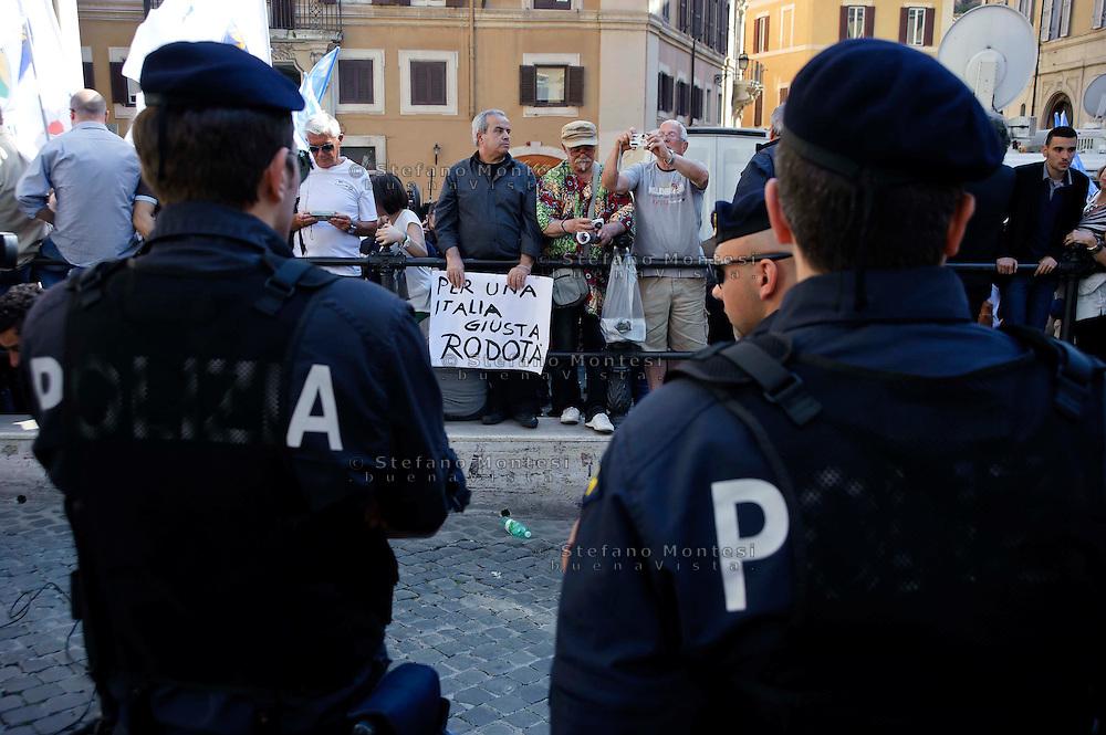Roma 19 Aprile 2013.Proteste davanti a Montecitorio   per la candidatura di Romano Prodi alla Presidenza della Repubblica da parte del Partito Democratico. Manifestanti del  centro-sinistra per Stefano Rodotà
