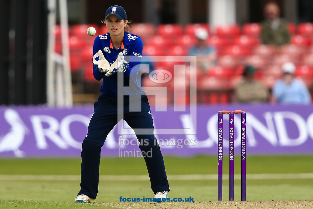 Amy Jones of England during the Royal London One Day Series match at Fischer County Ground, Leicester<br /> Picture by Andy Kearns/Focus Images Ltd 0781 864 4264<br /> 21/06/2016