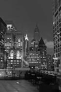 New York. elevated view. on  lower Manhattan cityscape  / panorama du bas de manhattan v, les gratte ciel de downtown New York - Etats unis
