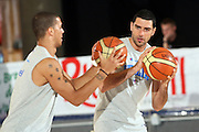DESCRIZIONE : Bormio Ritiro Nazionale Italiana Maschile Preparazione Eurobasket 2007 Allenamento Preparazione fisica<br /> GIOCATORE : Matteo Soragna Daniel Hackett<br /> SQUADRA : Nazionale Italia Uomini EVENTO : Bormio Ritiro Nazionale Italiana Uomini Preparazione Eurobasket 2007 GARA : <br /> DATA : 22/07/2007 <br /> CATEGORIA : Allenamento <br /> SPORT : Pallacanestro <br /> AUTORE : Agenzia Ciamillo-Castoria/E.Castoria<br /> Galleria : Fip Nazionali 2007 <br /> Fotonotizia : Bormio Ritiro Nazionale Italiana Maschile Preparazione Eurobasket 2007 Allenamento <br /> Predefinita :