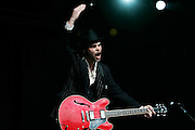Gaz Coombes of Supergrass performs live on stage during The Hop Farm Festival at The Hop Farm on July 6, 2008 in Paddock Wood, Kent, England. (Photo by Simone Joyner)