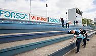 Fanklubben forbereder tifo før kampen i NordicBet Ligaen mellem FC Helsingør og Lyngby Boldklub den 25. maj 2019 på Helsingør Stadion. (Foto: Claus Birch / ClausBirchDK Sportsfoto).