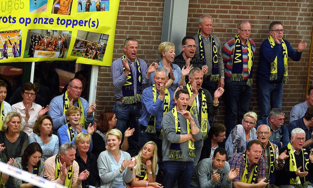09-04-2016 NED: Coolen Alterno - Springendal Set Up 65, Apeldoorn<br /> Set Up wint met 3-2 en dat blijkt genoeg om zich te plaatsen voor de finale. / Support voor Set Up