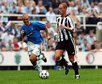 Fotball<br /> England 2004/2005<br /> Foto:  Fotosports/Digitalsport<br /> NORWAY ONLY<br /> <br /> Nicky Butt Newcastle United <br /> Alex Rae Glasgow Rangers<br /> Newcastle United v Glasgow Rangers