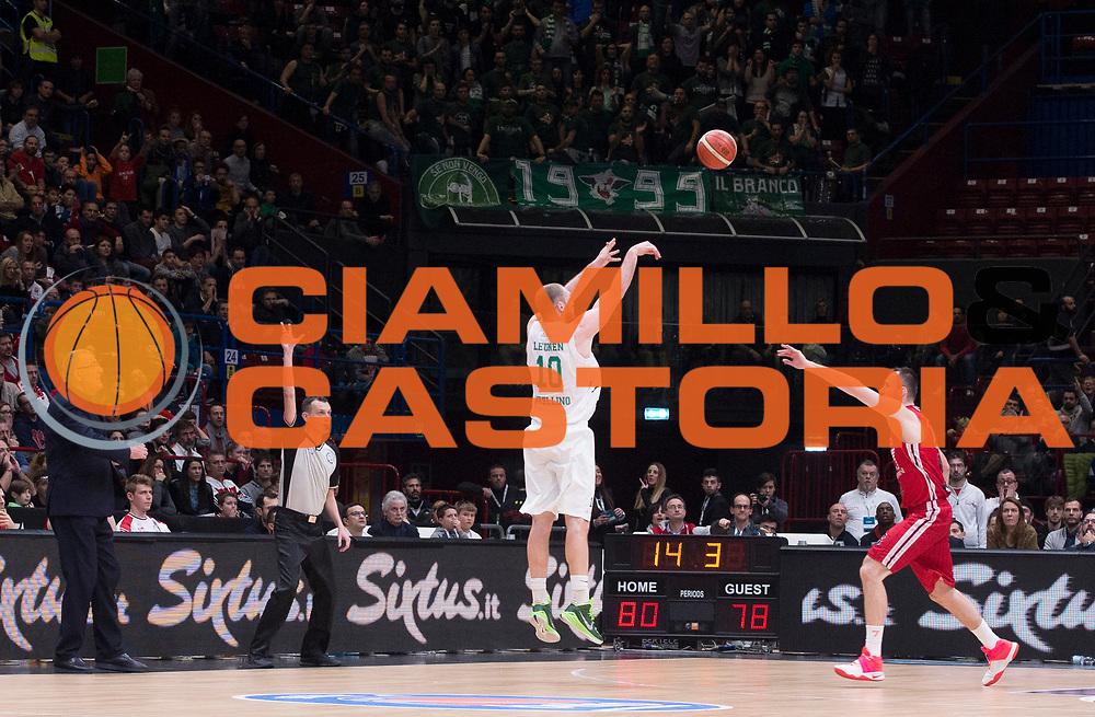 DESCRIZIONE : Beko Legabasket Serie A 2015- 2016 EA7 Emporio Armani Olimpia Milano - Sidigas Scandone Avellino<br /> GIOCATORE : Maartel Leunen<br /> CATEGORIA : tiro three points<br /> SQUADRA : Sidigas Scandone Avellino<br /> EVENTO : Beko Legabasket Serie A 2015-2016<br /> GARA : EA7 Emporio Armani Olimpia Milano  - Sidigas Scandone Avellino<br /> DATA : 31/01/2016<br /> SPORT : Pallacanestro <br /> AUTORE : Agenzia Ciamillo-Castoria/R.Morgano