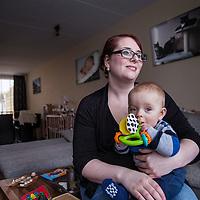 Nederland, Deurne, 7 maart 2016.<br /> Catharina Kuhl op de foto met zoontje Lorenzo, eventueel met haar baby. Ze heeft kanker overwonnen en het gaat nu heel goed, ze heeft een kind, huis, man, baan. <br /> <br /> <br /> Foto: Jean-Pierre Jans