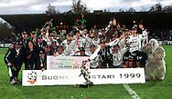 16.10.1999, Valkeakoski, Finland..Veikkausliiga / Finnish League.Suomen mestari 1999 - FC Haka.©JUHA TAMMINEN