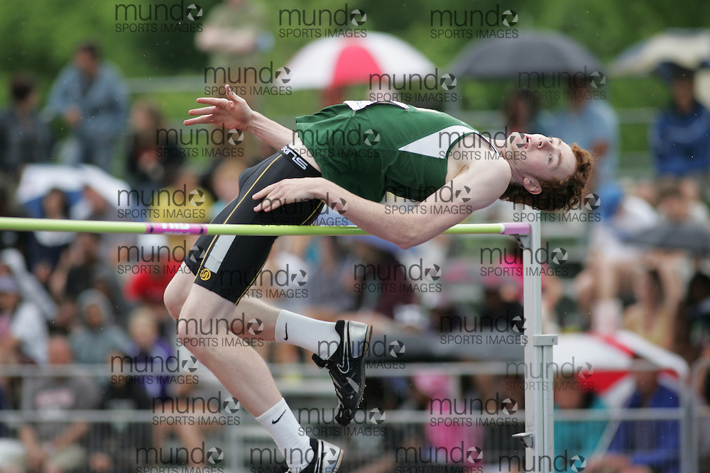 (London, Ontario}---04 June 2010) \\ the senior boys high jump at the 2010 OFSAA Ontario High School Track and Field Championships. Photograph copyright Sean Burges / Mundo Sport Images, 2010.