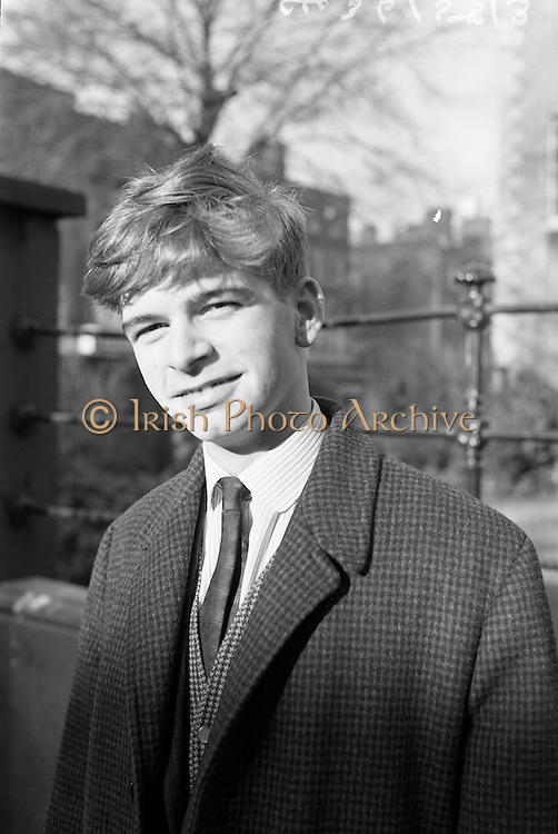 17/11/1964<br /> 11/17/1964<br /> 17 November 1964<br /> <br /> Mr. Pat Conway Fr. Domnic Comann(Cork City Branch) the youngest delegate at the Fianna Fail Ard Fheis