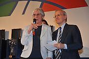 DESCRIZIONE : Monza Vila Reale Italia Basket Hall of Fame<br /> GIOCATORE : Nicoletta Persi Dan Peterson<br /> SQUADRA : FIP Federazione Italiana Pallacanestro <br /> EVENTO : Italia Basket Hall of Fame<br /> GARA : <br /> DATA : 29/06/2010<br /> CATEGORIA : Premiazione<br /> SPORT : Pallacanestro <br /> AUTORE : Agenzia Ciamillo-Castoria/M.Gregolin