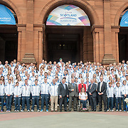 First Minister Alex Salmond poses with Team Scotland before the Athlete Parade through the streets of Glasgow. 15 August 2014, Kelvingrove, GLASGOW.  (c) Paul J Roberts / SportPix.org.uk
