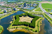Nederland, Noord-Brabant, Den Bosch, 13-05-2019; Pettelaarse Schans (Fort Saint Michèl), voormalige fort, gelegen in de Zuidplas.<br /> Pettelaarse Schans (Fort Saint Michèl), former fort<br /> <br /> aerial photo (additional fee required); luchtfoto (toeslag op standard tarieven); copyright foto/photo Siebe Swart