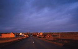 CZECH REPUBLIC BOHEMIA MELNIK DEC99 - A village near the district city of Melnik is illuminated by the setting winter sun. ..jre/Photo by Jiri Rezac..© Jiri Rezac 1999..Tel:   +44 (0) 7050 110 417.Email: info@jirirezac.com.Web:   www.jirirezac.com