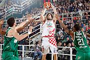 DESCRIZIONE : Avellino Lega A 2015-16 Play Off Gara 1 Sidigas Avellino Giorgio Tesi Group Pistoia <br /> GIOCATORE : Ariel Filloy<br /> CATEGORIA : tiro tre punti<br /> SQUADRA : Giorgio Tesi Group Pistoia <br /> EVENTO : Campionato Lega A 2015-2016 <br /> GARA : Sidigas Avellino Giorgio Tesi Group Pistoia<br /> DATA : 07/05/2016<br /> SPORT : Pallacanestro <br /> AUTORE : Agenzia Ciamillo-Castoria/A. De Lise <br /> Galleria : Lega Basket A 2015-2016 <br /> Fotonotizia : Avellino Lega A 2015-16 Play Off Gara 1 Sidigas Avellino Giorgio Tesi Group Pistoia