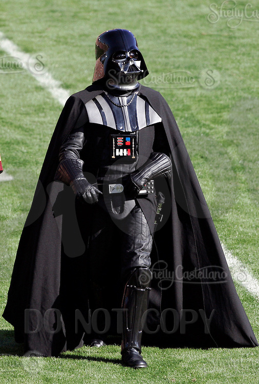 1 January 2007:  Star Wars Darth Vader walks center field at the 93rd Rose Bowl Game at the Rose Bowl Stadium for the Pac-10 USC Trojans vs the Big-10 Michigan Wolverines NCAA college football game in Southern California.  Trojans defeated the Wolverines 32-18 in regulation.<br />