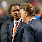 NLD/Amsterdam/20121114 - Vriendschappelijk duel Nederland - Duitsland, Patrick Kluivert en bondscoach Louis van Gaal