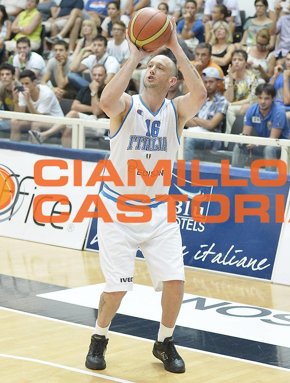 DESCRIZIONE : Trentino Basket Cup Italia-Georgia<br /> GIOCATORE : Guido Rosselli<br /> CATEGORIA : tiro<br /> SQUADRA : Nazionale Italiana<br /> EVENTO : Trentino Basket Cup<br /> GARA : Italia-Georgia<br /> DATA : 07/08/2013<br /> SPORT : Pallacanestro <br /> AUTORE : Agenzia Ciamillo-Castoria/R. Morgano<br /> Galleria : FIP nazionali 2013  <br /> Fotonotizia : Trentino basket cup Italia-Georgia<br /> Predefinita :