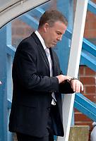 Photo: Glyn Thomas.<br />Chesterfield v Swansea City. Coca Cola League 1. 06/05/2006.<br />Swansea boss Kenny Jackett anxiously checks his watch.