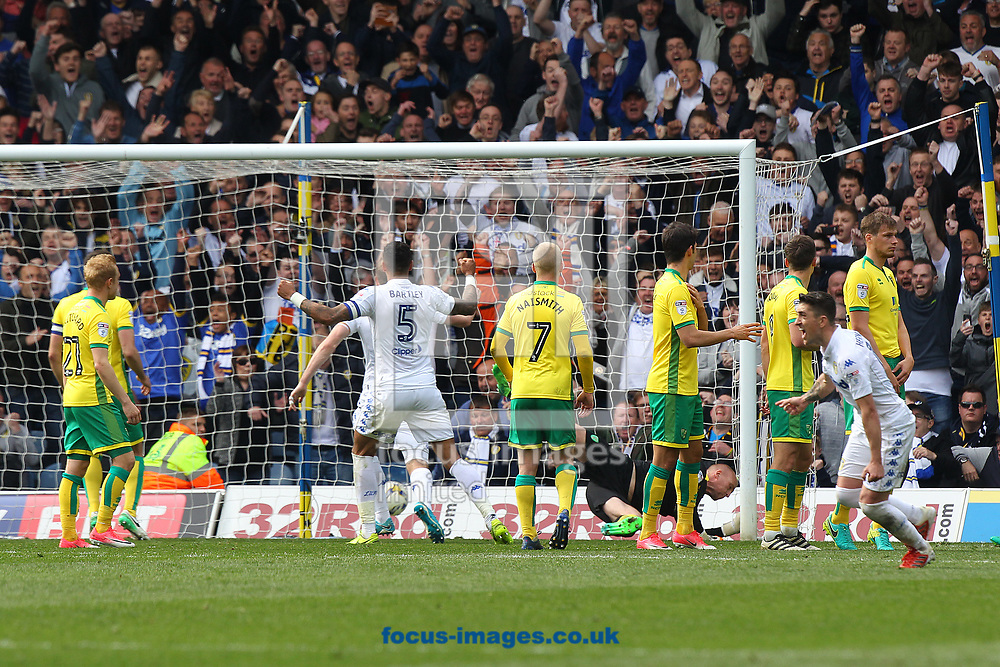 Pablo Hernandez of Leeds United scores his sides 3rd goal from a free kick during the Sky Bet Championship match at Elland Road, Leeds<br /> Picture by Paul Chesterton/Focus Images Ltd +44 7904 640267<br /> 29/04/2017