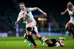 Emily Scarratt of England Women evades a tackle - Mandatory by-line: Robbie Stephenson/JMP - 16/03/2019 - RUGBY - Twickenham Stadium - London, England - England Women v Scotland Women - Women's Six Nations