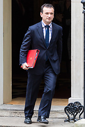 London, October 24 2017. Welsh Secretary Alun Cairns leaves the UK cabinet meeting at Downing Street. © Paul Davey