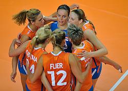 30-10-2011 VOLLEYBAL: NEDERLAND - BELGIE: ZWOLLE <br /> Nederland wint de tweede oefenwedstrijd met 3-2 van Belgie / (L-R) Maret Grothues, Libero Janneke van Tienen, Chaine Staelens<br /> ©2011-WWW.FOTOHOOGENDOORN.NL