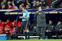 22.01.2012, Santiago Bernabeu Stadion, Madrid, ESP, Primera Division, Real Madrid vs Athletic Bilbao, 1. Spieltag, Nachtrag, im Bild Athletic de Bilbao's Marcelo Bielsa // during the football match of spanish 'primera divison' league, 1th round, supplement, between Real Madrid and Athletic Bilbao at Santiago Bernabeu stadium, Madrid, Spain on 2012/01/22. EXPA Pictures © 2012, PhotoCredit: EXPA/ Alterphotos/ Cesar Cebolla..***** ATTENTION - OUT OF ESP and SUI *****