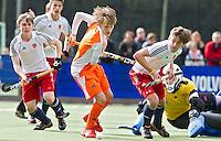 AERDENHOUT - 07-04-2012 - Tijn Lissone, zaterdag tijdens de wedstrijd tussen Nederland Jongens A en Engeland Jongens A (3-4), tijdens het Volvo 4-Nations Tournament op de velden van Rood-Wit in Aerdenhout.