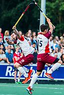AMSTELVEEN   -   Bram Cornelisse (Almere)  Andrin Rickli (Almere) met 1e wedstrijd Hurley-Almere (2-2), Hurley wint so.  play offs/ Play outs.   COPYRIGHT  KOEN SUYK