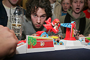 Dutch national student championships of Stef Stuntpiloot, a children's game that is commonly used as a drinking game among students // Het Nederlands studentenkampioenschap Stef Stuntpiloot.