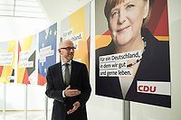 22 JUN 2017, BERLIN/GERMANY:<br /> Peter Tauber, CDU Generalsekretaer, stellt erste Plakate zur Bundestagswahl 2017 vor, Konrad-Adenauer-Haus<br /> IMAGE: 20170622-01-010<br /> KEYWORDS: Wahlkampf